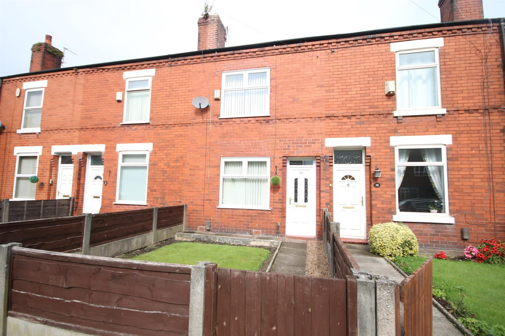 2 Bedroom House - Terraced For Sale